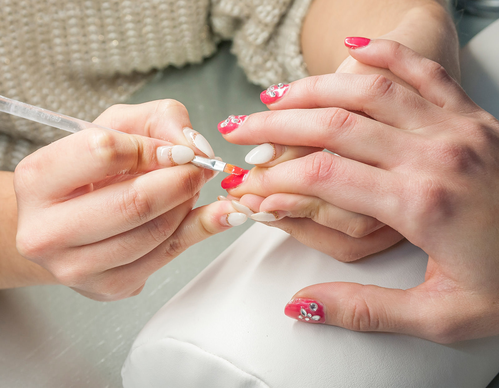 Gel Nail Extensions & Overlays the right thing for you? Read the ...